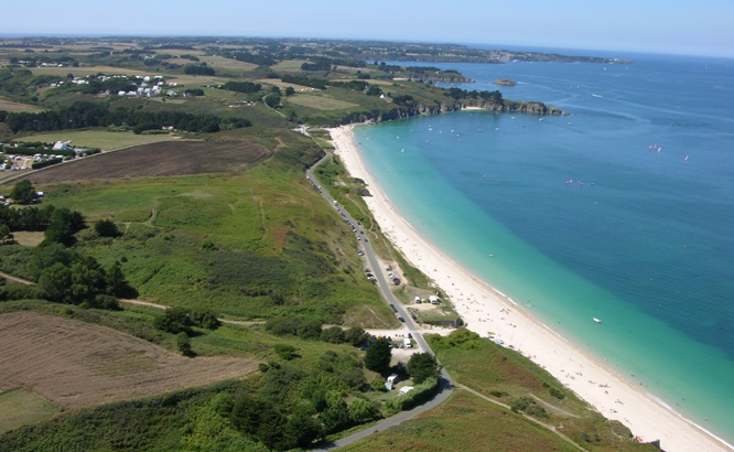 camping-belle-ile-vue-aerienne-plage